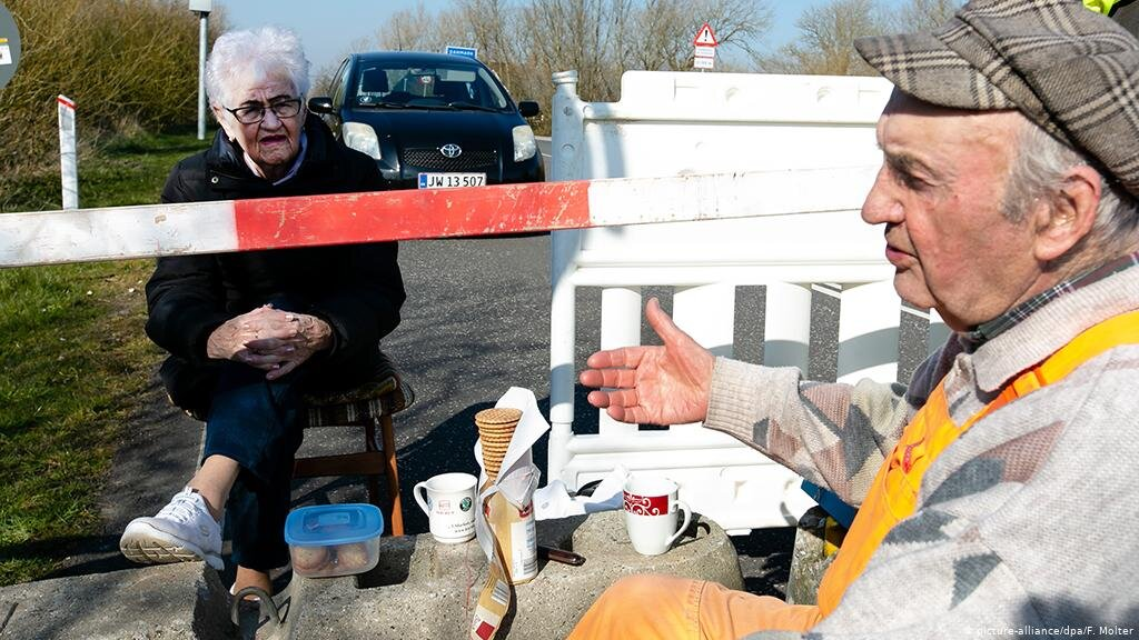 News: Elderly Couple Meets at Germany-Denmark Border For Daily Coffee Dates During Coronavirus Lockdown