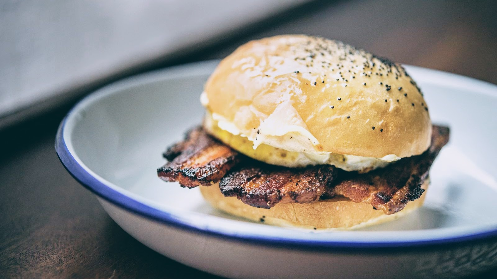 New York: egg sandwich, crullers and all that magic at Daily Provisions coffeshop