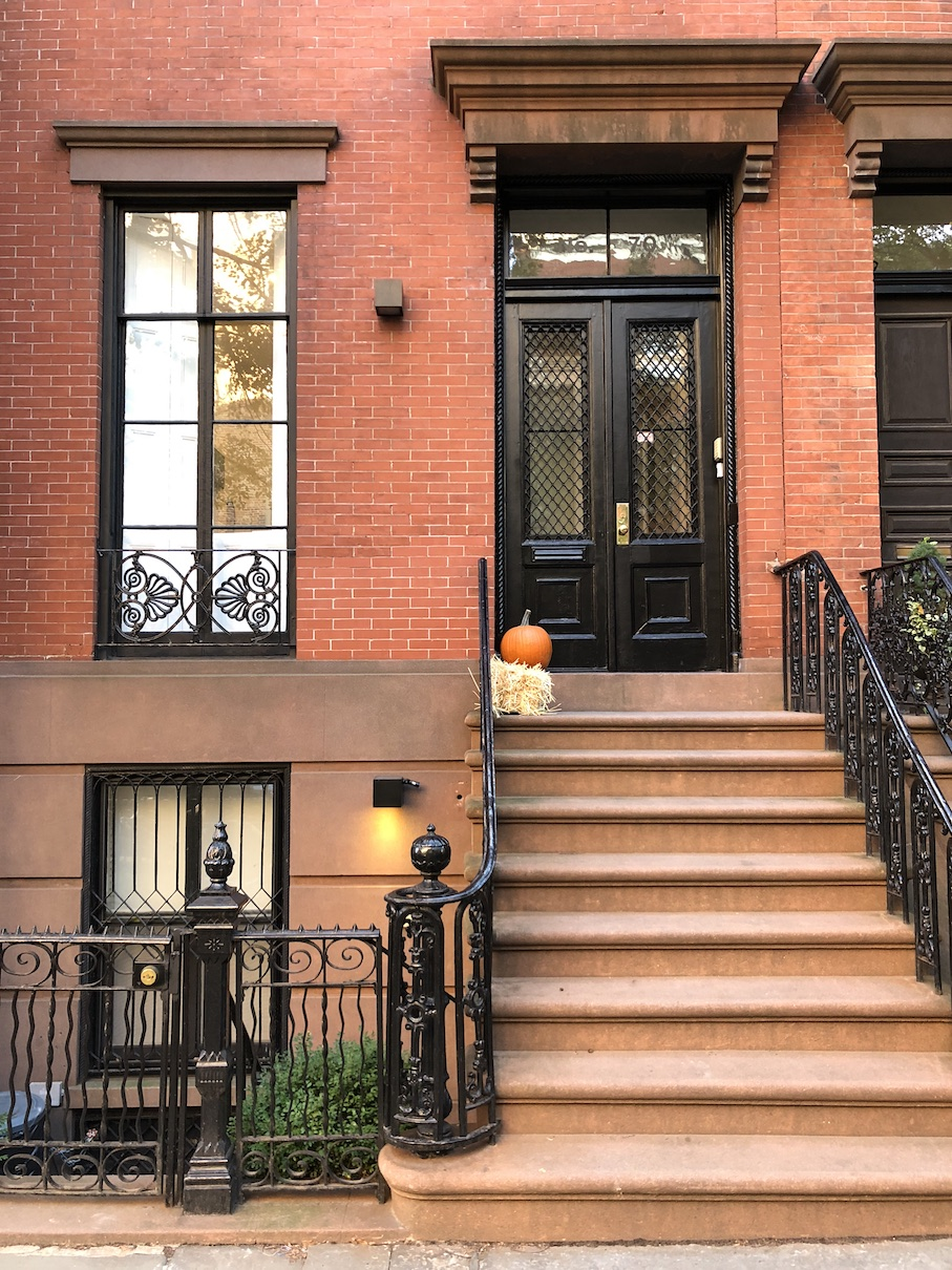 Neighbourhoods: oh, the brownstones vibe around Greenwich Village