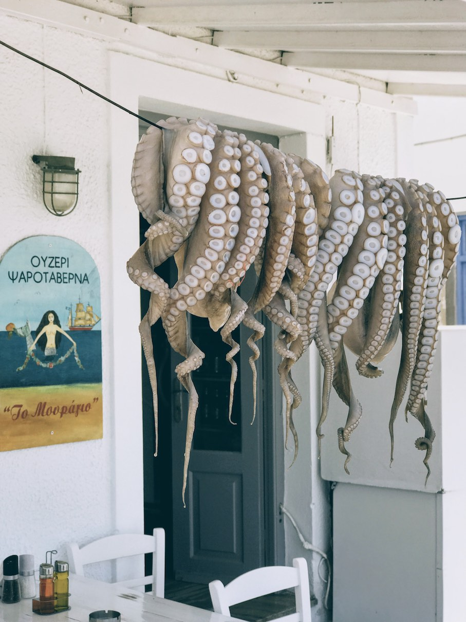 Paros: low-key taverna dining by the sea at Mouragio