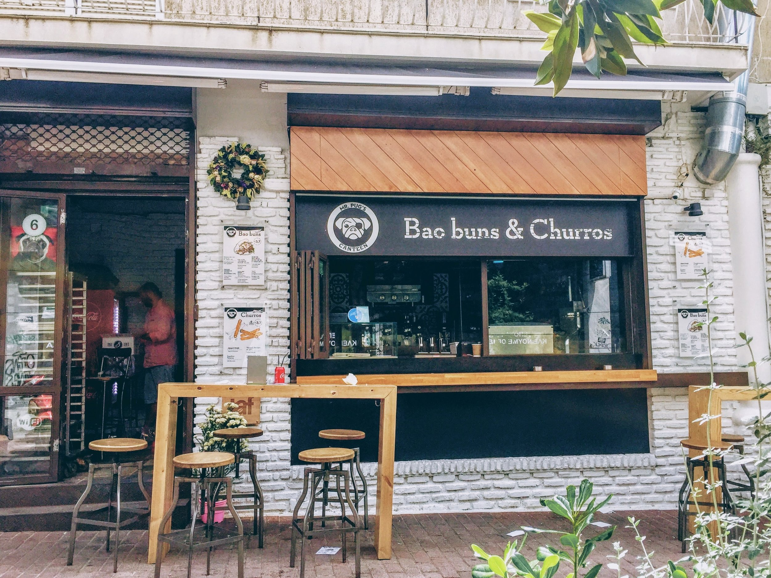 Athens: bao buns land in Athens at Mr Pug's Canteen