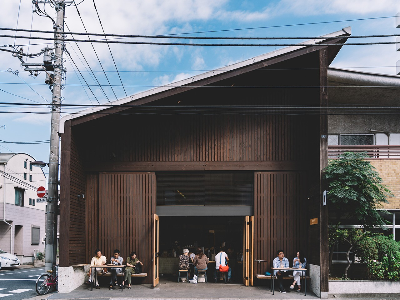 Tokyo: specialty coffee on a Sunday morning at Allpress Espresso Roastery & Cafe
