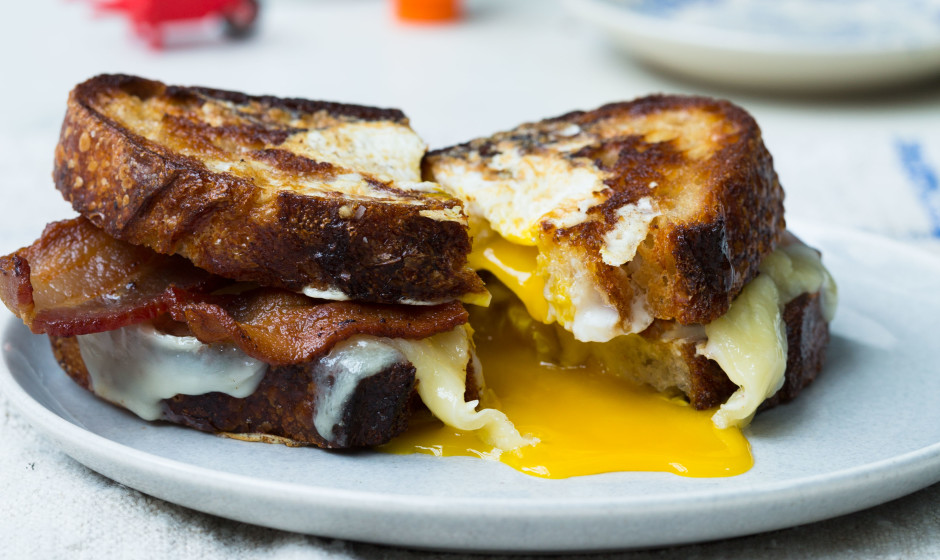 Recipe: Egg-in-a-Hole Sandwich with Bacon and Cheddar