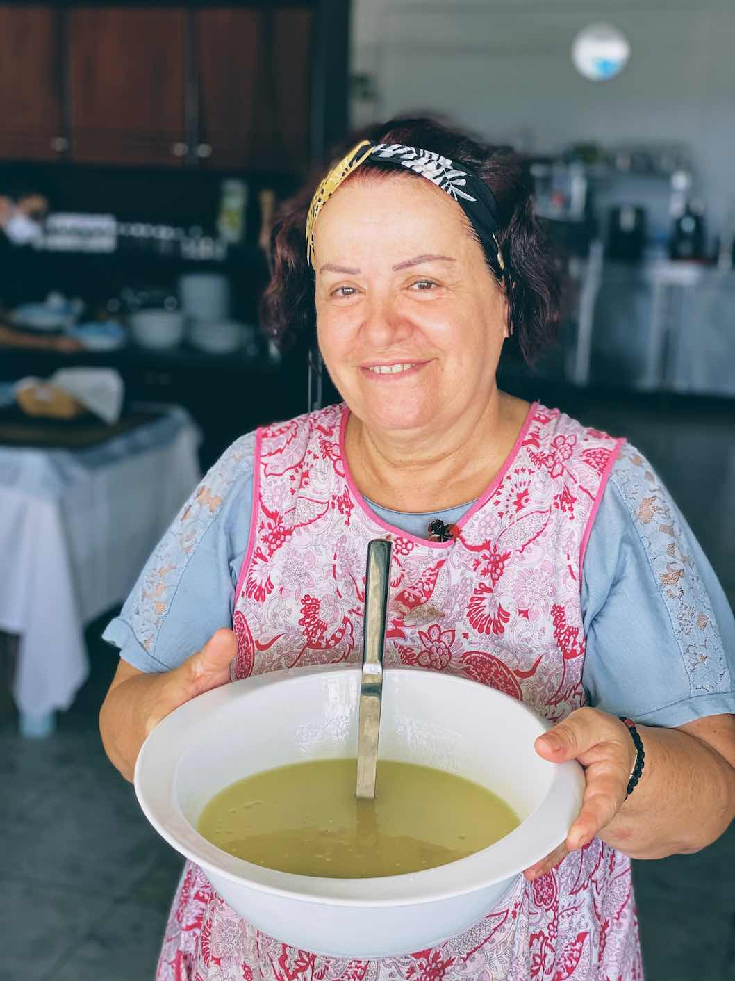 Sardis, Kimolos - Travel Food People