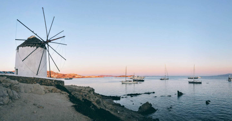 Elegant holidays in Mykonos and Paros
