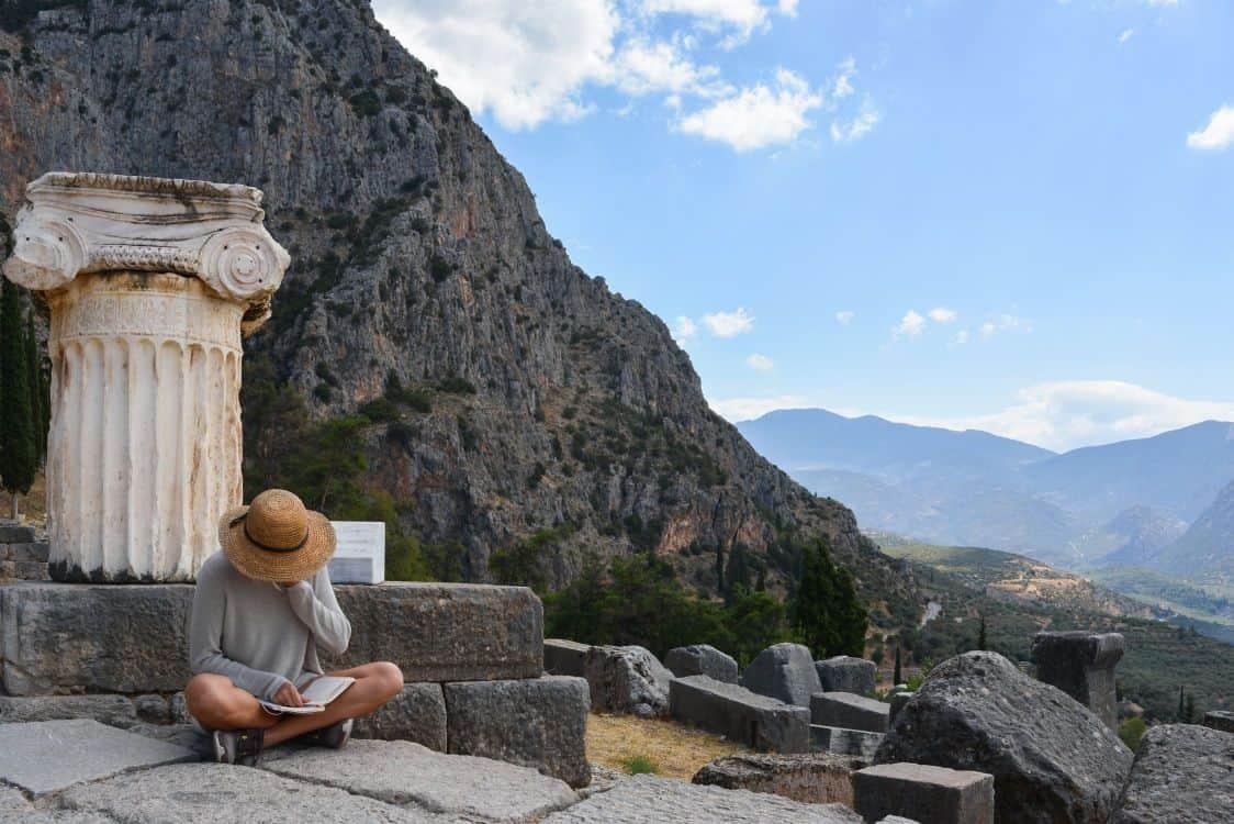 AA (1.5 hours): [Athens] Magnificent Delphi site tour