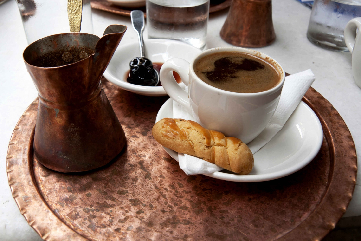 AA (5-6 hours): [Athens] The city streets and great eats tour