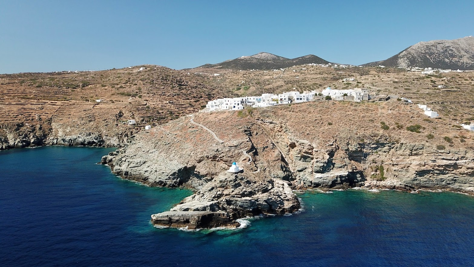 Cycladic charm and elegant food in Sifnos