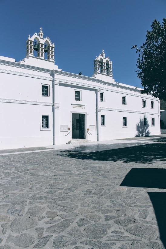 Travel Food People - Church Panagia Ekatontapyliani, Paros