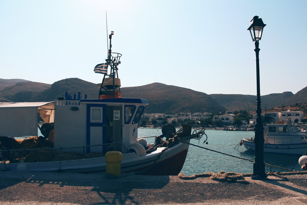 Travel Food People - Karavostasi port, Folegandros