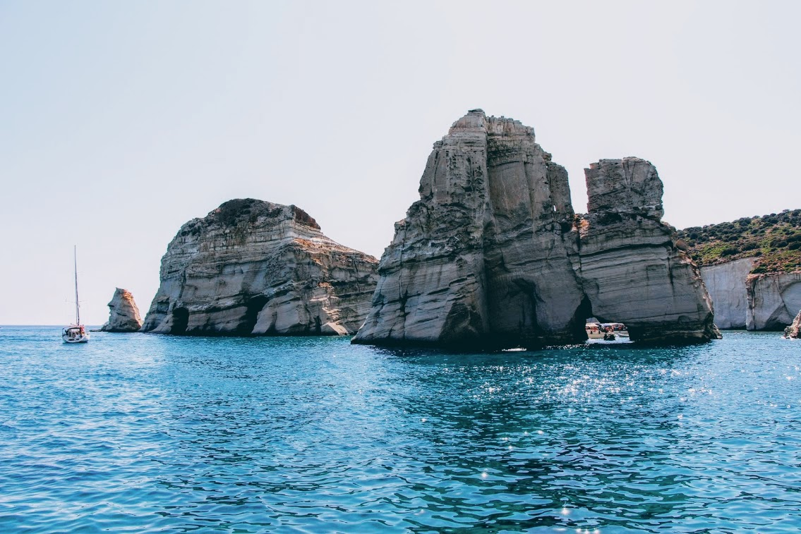 TMTM (5 hours): [Milos] Private fast boat charter - HD to Kleftiko