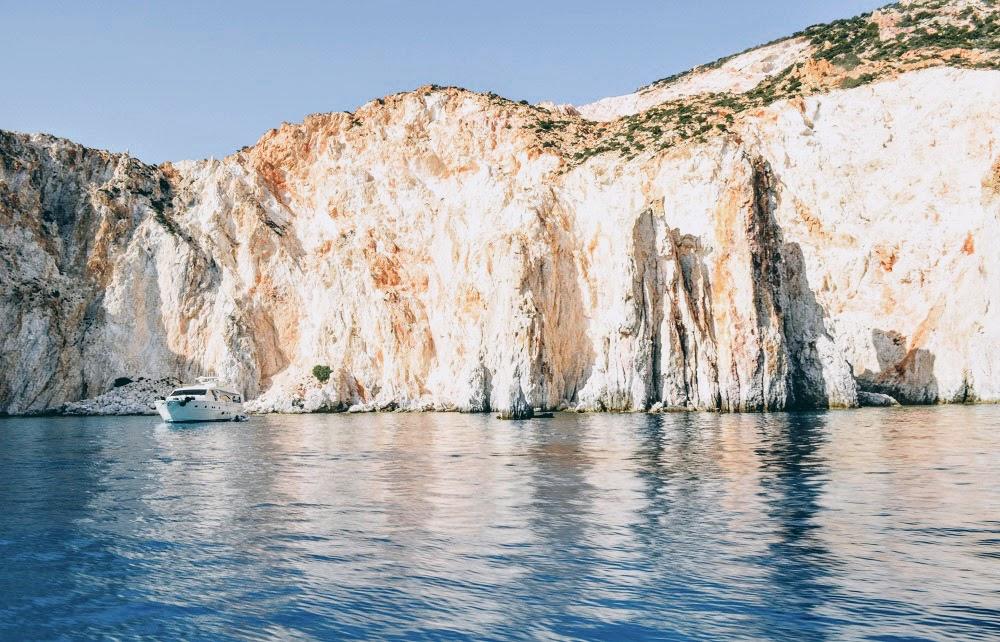 CA (6 hours): [Sifnos] Full Day Cruise to Polyaigos & Kimolos