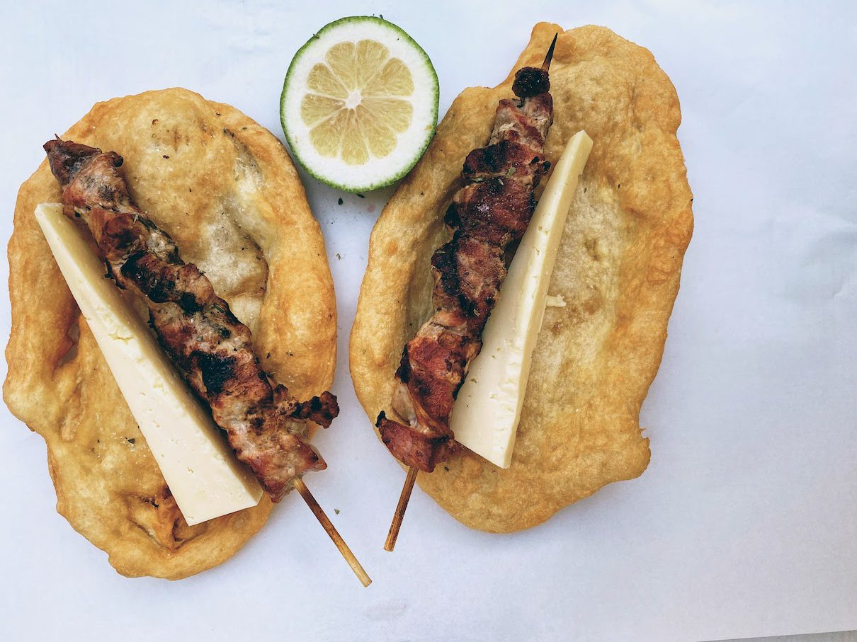 Mani: delicious souvlaki at the traditional joint of Tripleta