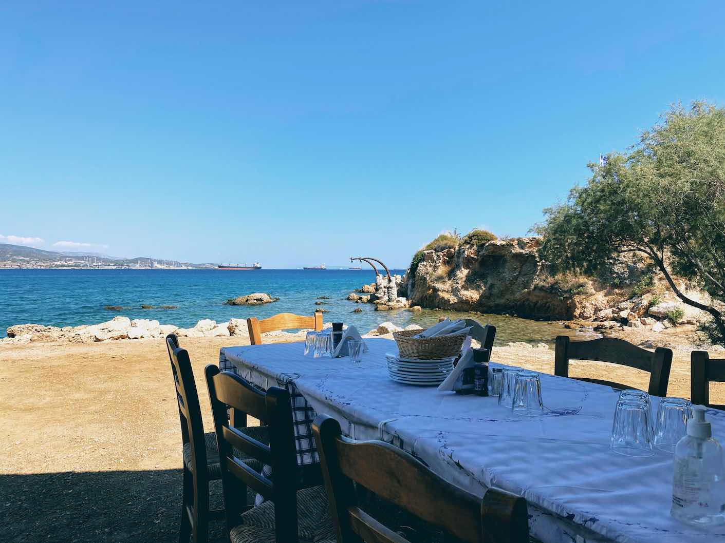 Kornithos: delicious seafood pasta and oysters at Kavos 1964